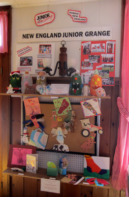 The 2012 Junior Grange display at the Big E. Maine had two entries in the Foot Craft contest. (Photo courtesy Kathy Gibson, Mass.  Jr. Director)